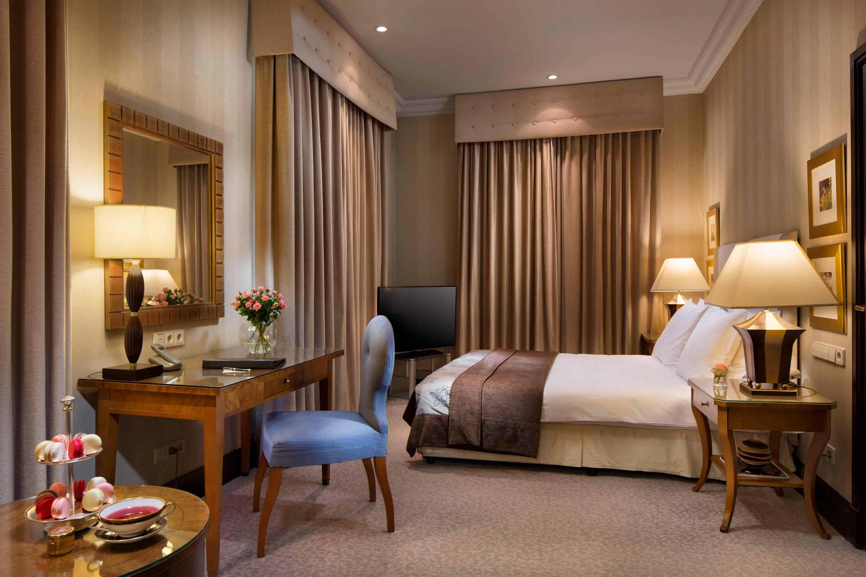 Deluxe-Suite---Esplanade-Zagreb-Hotel