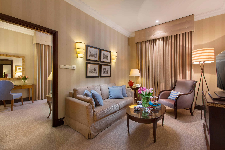 Deluxe-Suite-Living-Room---Esplanade-Zagreb-Hotel